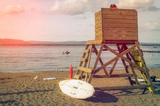 Temporada de verano profesionales de salvamento